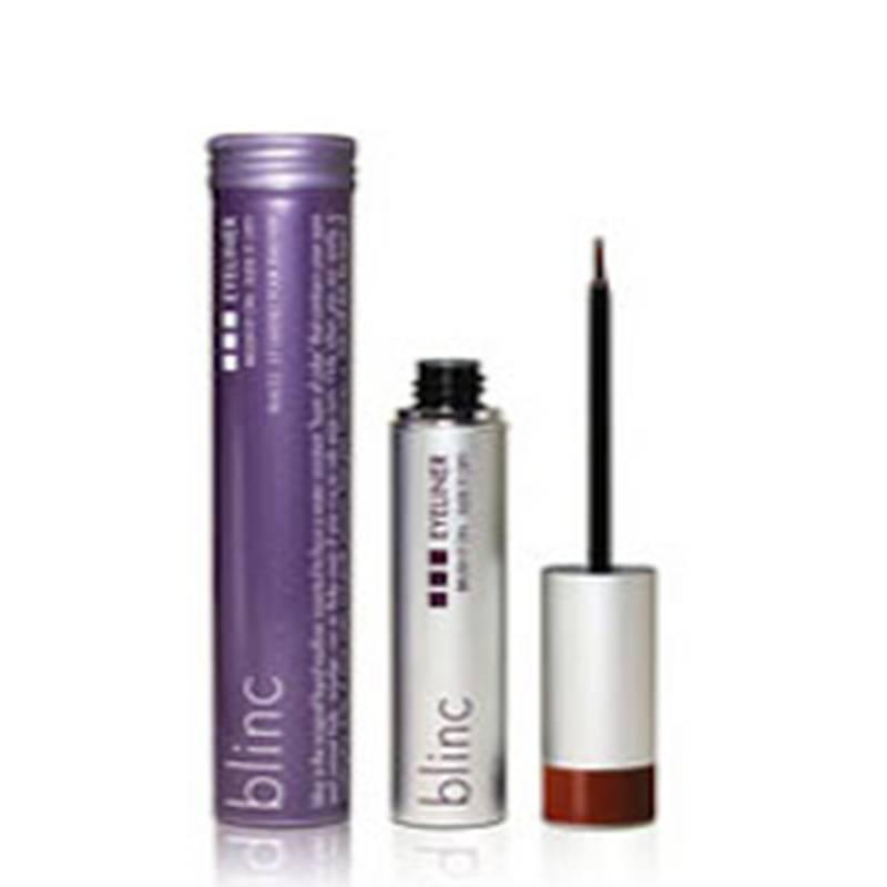 BLINC EYELINER MARRONE Blinc Eyeliner è il prodotto eyeliner innovativo che consente anche alle meno esperte di sottolineare il contorno degli occhi con precisione, senza rischio di errori. Resistente all'acqua, al sudore e alle lacrime