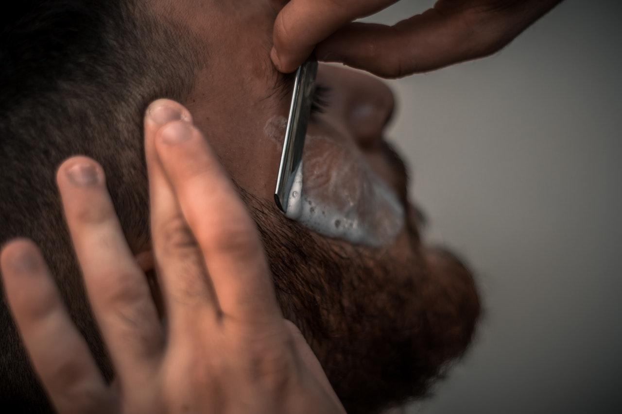 rasatura tradizionale uomo